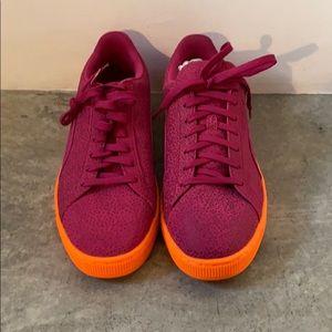 Puma multi color sneaker